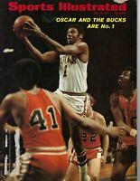 1971 Sports Illustrated,magazine basketball,Oscar Robertson Milwaukee Bucks GLR