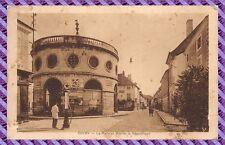 Givry, Les Halles, Rue de la République