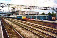PHOTO  1985 CLASS 86 ELECTRIC LOCO NO 86030 PARCELS TRAIN AT STAFFORD CLASS 86 E