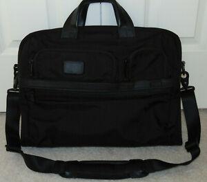 NWOT 26114D2  TUMI  Alpha 2  Black Nylon  Large Screen Laptop Briefcase  NEW