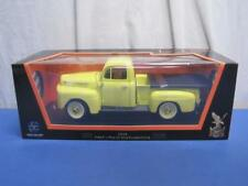NIB 1:18 ROAD SIGNATURE #92218 1948 Yellow FORD F-1 Pickup with Flatbed Cover