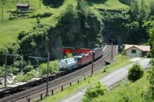 PHOTO  SWITZERLAND 2006 WASSEN TRAIN AT LOWER LEVEL WASSEN