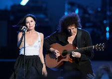 Andrea Corr and Brian May UNSIGNED photo - H5385 - Is This The World We Created?