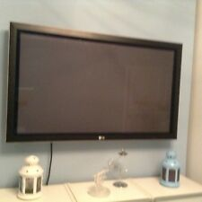LG APPROX 42 INCH PLASMA SCREEN IN WORKING ORDER