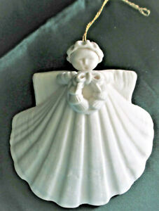 Margaret Furlong Porcelain 3 inch Angel with WREATH in Box 1985