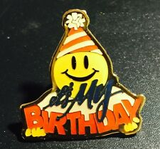 "WALMART *OLD* "" IT'S MY BIRTHDAY SMILEY "" EMPLOYEE LAPEL PIN"