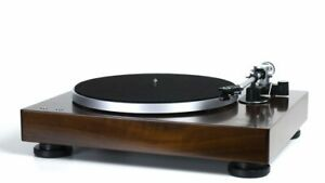 Music Hall Clasic Turntable - Warranty - Free Shipping - NEW