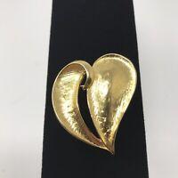 Gold Tone Heart Brooch Pin J1B1