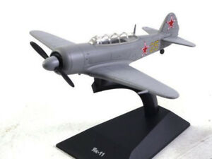 Yak-11 Yakovlev Soviet Training Aircraft 1946 Year 1/80 Scale Model with Stand