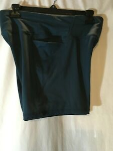 EUC ATHLETIC WORKS WOMEN'S GREEN SIZE LARGE ATHLETIC WORK OUT SHORTS W/POCKETS