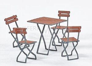 WEINERT 32102 - Set 4 sedie + 1 tavolo piccolo. Scala H0 1:87