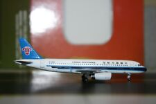 Aeroclassics 1:400 China Southern Airbus A320-200 B-2459 (ACB2459) Model Plane