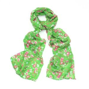 Green Floral Daisy Print Scarf / Hijab / Headscarf / Sarong / Face Covering