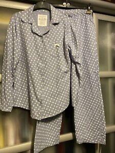 Esprit Flanellschlafanzug hellblau mit Punkten Größe 40