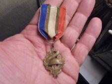 Ancien Insigne Militaire au Casque Adrian & Palmes : O.N.C