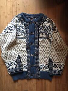 Vintage Dale Of Norway Sweater Sz 44 cardigan  Wool