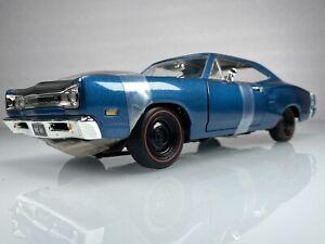 Ertl 1969 Dodge Super Bee Six Pack Bright Blue Metallic 1:18 Diecast Car *ReBox