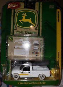 JOHNNY LIGHTNING 1/64 JOHN DEERE 2000 CHEVY SILVERADO WHITE LIGHTNING MOC