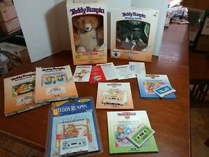 TEDDY RUXPIN Vtg 1986 Plush Bear Worlds Of Wonder BOX TAGS + outfit books tapes