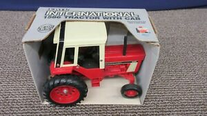 Ertl IH International Harvester 1586 Tractor Die-Cast Metal #463 1:16 Scale USA