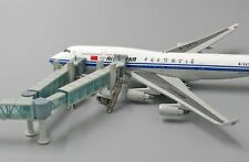 1:400 Airport Passenger Bridge (Wide)  *Not including the aircraft model* LH4134
