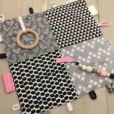 Monochrome Taggie Sensory 30x30cm Baby Tactile Teething Blanket Black,Pink,White
