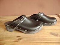 Clogs schwarz Leder Gr. 36 UK 3,5 US 4,5, sehr guter Zustand