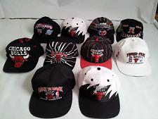 VINTAGE 10 CHICAGO BULLS STARTER AJD SPORTS SPECIALTIES LOGO7 LOGO ATHLETI HATS