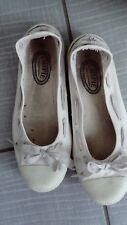 Chaussures plates blanches T40 Chipie