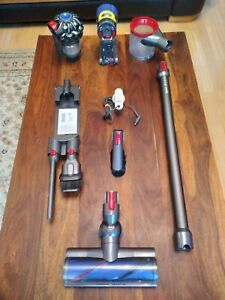 Dyson V8 Absolute Cordless Vacuum Cleaner (item249)
