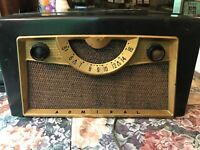 OLD VINTAGE ADMIRAL RECORD PLAYER RADIO COMBO NON-WORKING