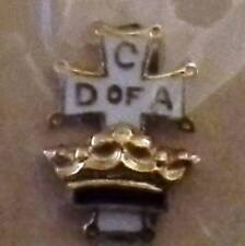 C D OF A PIN BACK PIN WHITE CROSS WITH CROWN Catholic Daughters Of America