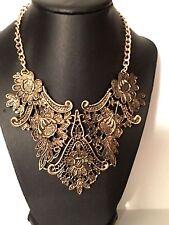 Gorgeous Gold Vintage Hollow Flower Necklace
