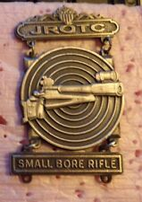 US ARMY JROTC,SMALL BORE RIFLE SHARPSHOOTER BADGE, CLUTCH BACK