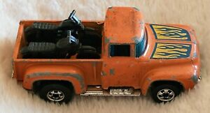 1973 HOT WHEELS HI-TAIL HAULER ORANGE 1956 FORD F-150 TRUCK WITH 2 MOTORCYCLES