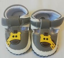 Immaculate Condition Baby Boys Giraffe Shoes Size 2