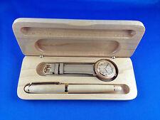 Stiftebox mit Armbanduhr und Füller in Echtholz
