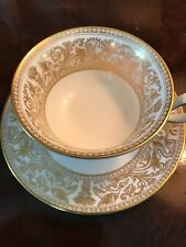 Wedgwood Gold Florentine 5 Piece (8 Place Settings) $880