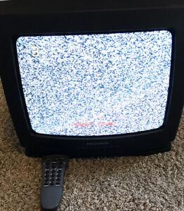 """Philips Magnavox 13PR12C221 13"""" Color TV CRT Retro Gaming w/Original Remote"""