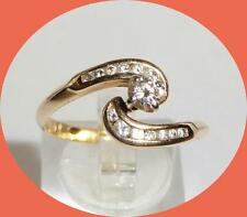 PRETTY 14K YELLOW GOLD DIAMOND RING - SIZE 9.75