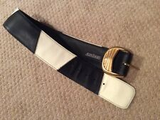 Stunning Alan Howard Leather black & white Belt w/ heavy gold buckle - Small