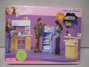 1999 Barbie Light-Up Kitchen