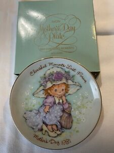 Avon Mothers Day Plates