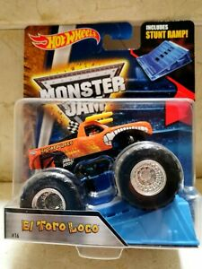 Hot Wheels MONSTER JAM TORO LOCO NARANJA CON RAMPA Import.USA