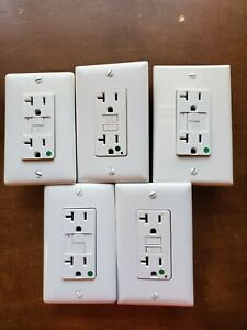 (LOT OF 5) WHITE 20Amp 125VAC HOSPITAL GRADE GFCI W/ WALL PLATE
