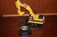 1999 Caterpillar Remote Control Excavator Digger Construction Toy Truck