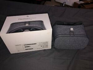 Google Daydream View (1st Generation) in Slate