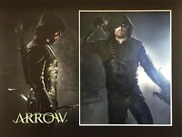 STEPHEN AMELL GENUINE AUTHENTIC SIGNED ARROW MOUNTED PHOTO AFTAL & UACC [14473]