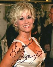 Lorrie Morgan signed gorgeous 8x10 photo / autograph