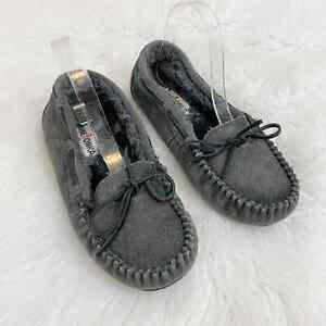 Minnetonka Gray Genuine Suede Moccasin Slippers Faux Fur Lined Women's Sz 10 EUC